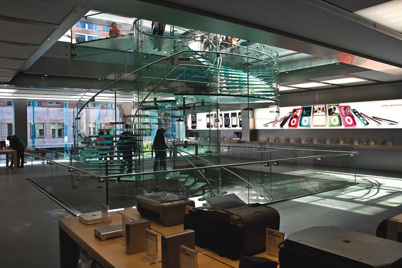 retail-apple-boylston-sales-floor_2