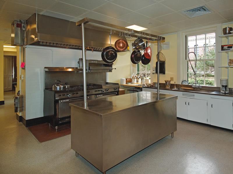 institutional-harvard-loeb-hall-kitchen
