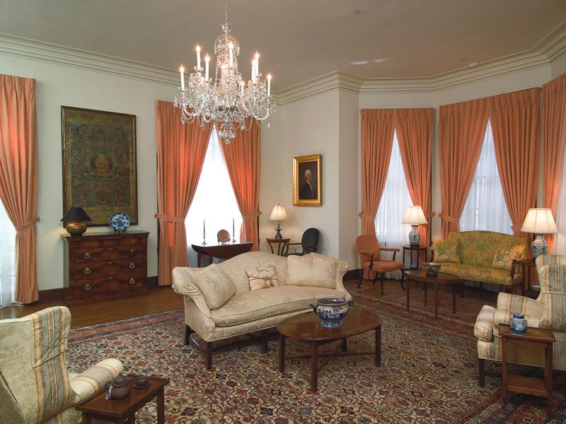 institutional-harvard-loeb-hall-living-room
