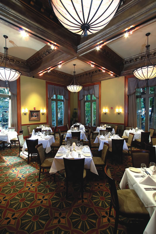 restaurant-ruths-chris-boston-interior